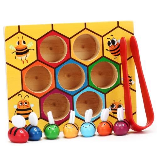 Пчёлки в сотах